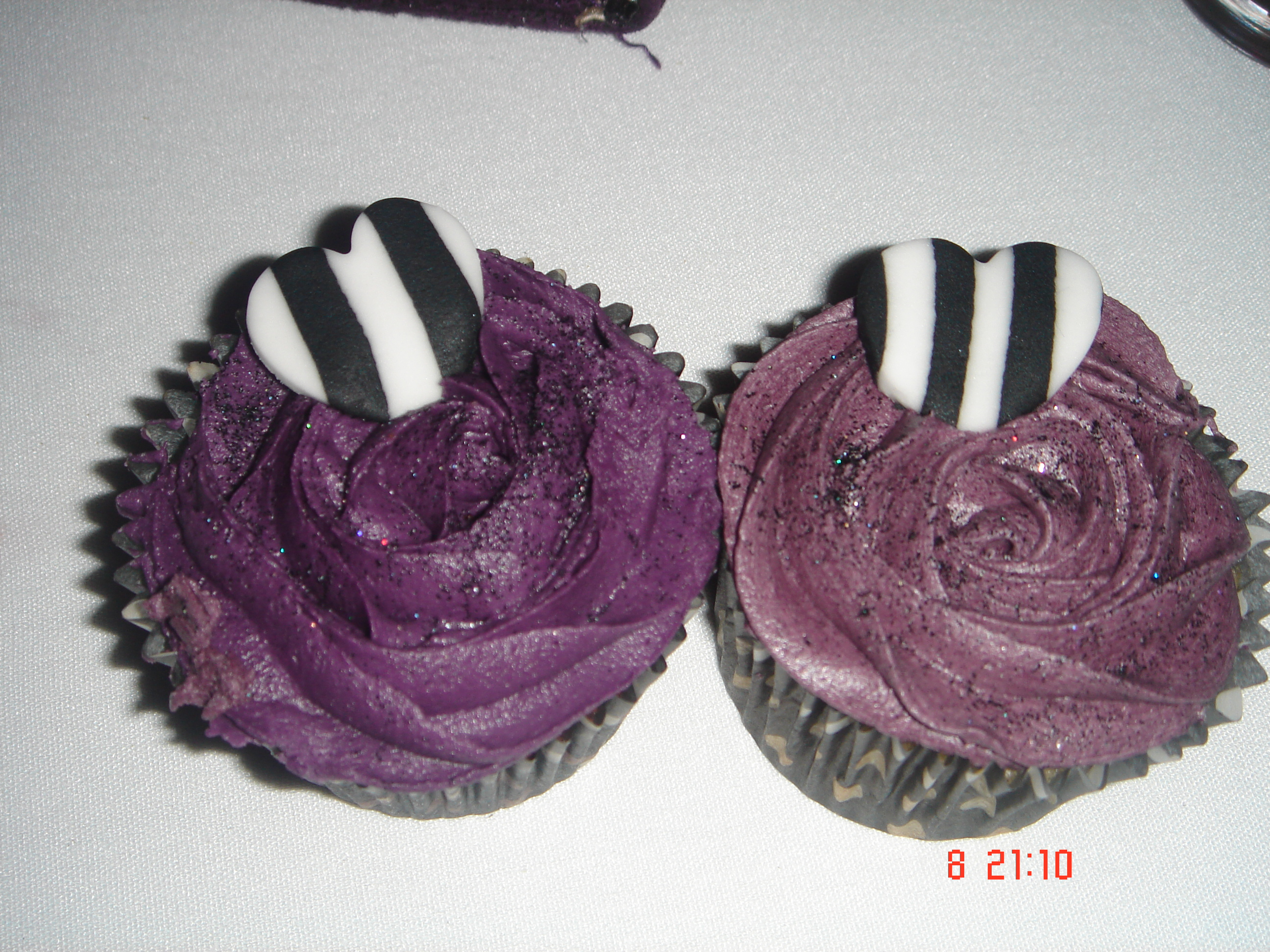 Purple wedding cup cakes